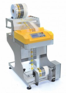 Bodennaht-Beutelschweißmaschine BAGGY mit vollautomatischer Wickelvorrichtung